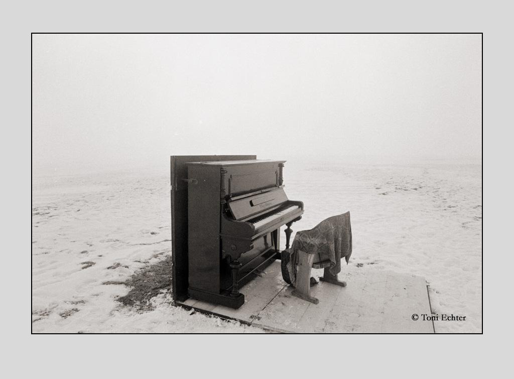 verlassenes piano - himmelberg 1999